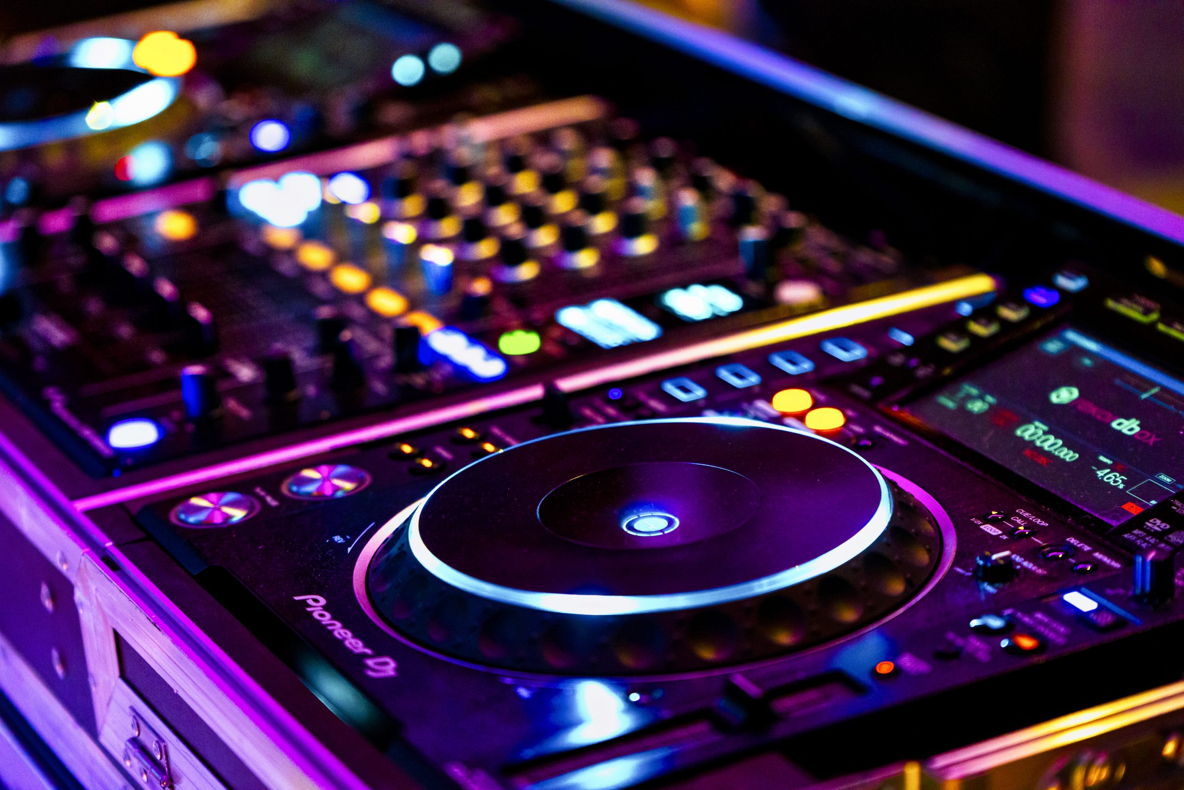 Bølgen & Moi fest DJ