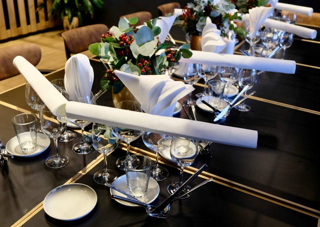 Velkommen til et stemningsfullt julebord i vår restaurant på Tjuvholmen.