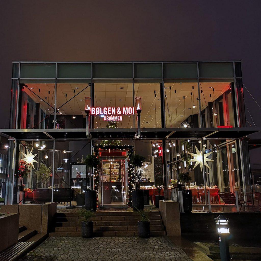 Velkommen til et stemningsfullt julebord i vår restaurant i Drammen.